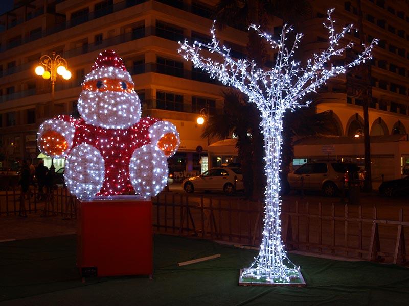 Weihnachtsdeko in Larnaka